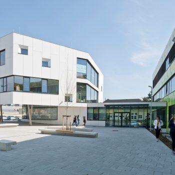 Bundesschulzentrum Bruck/Leitha Neubau Kreativturm und Bestandssanierung